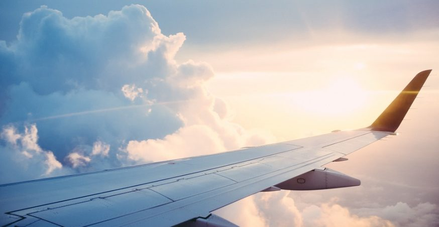 Why Do Some Airplanes Have Curved Wingtips?