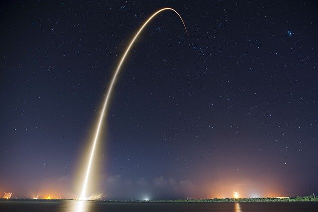 SpaceX Launches New Batch of Internet Satellites Into Orbit
