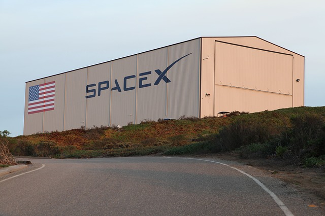 SpaceX to Test Sunshade for Starlink Satellites
