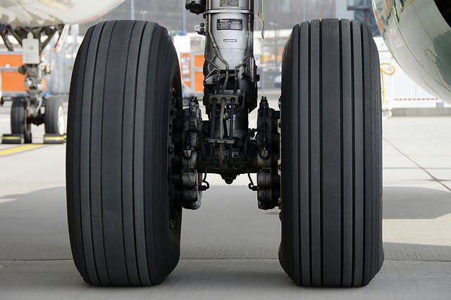 Taildragger vs Tricycle Landing Gear: What's the Difference?