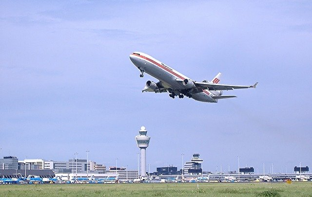 Do Airplanes Take Off Into or Against the Wind?