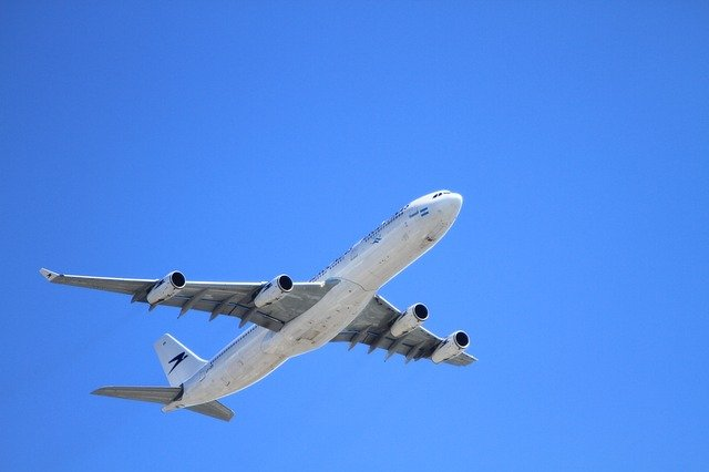 How Do Airplanes Turn When Flying?