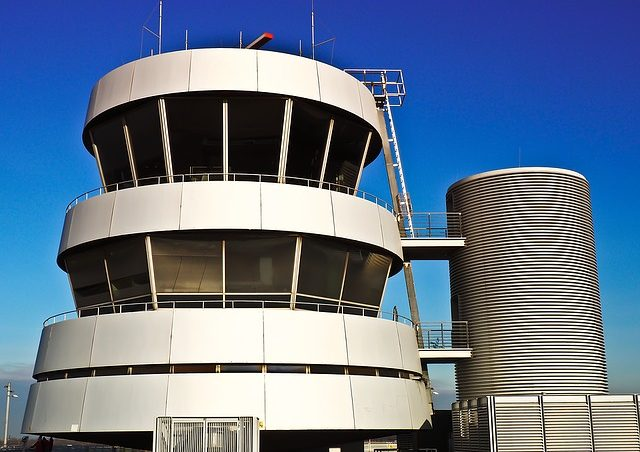 5 Fun Facts About Air Traffic Controllers
