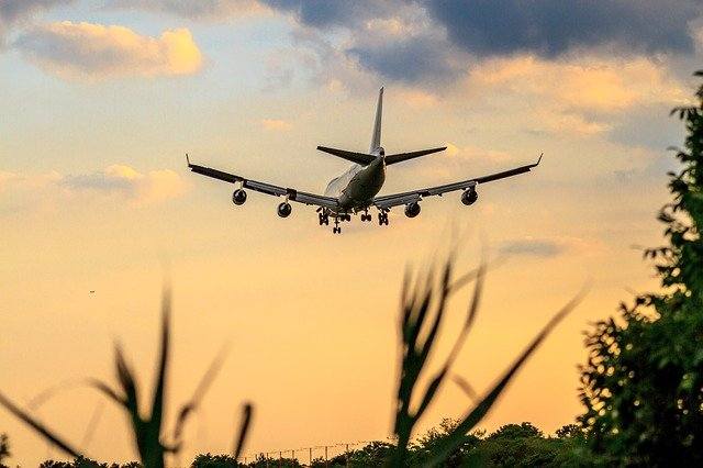 Why Do Some Airplanes Have 4 Engines?